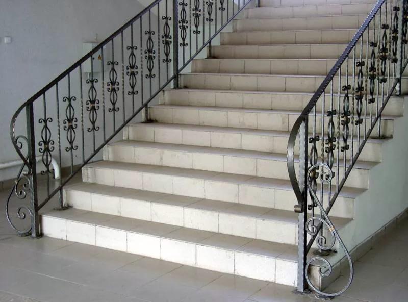 Кованые перила купить в Москве. Цены на кованые перила для лестницы